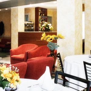 Sala-colazione-Hotel-Engadina